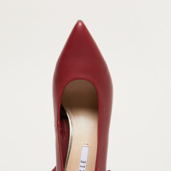 Elle Pumps with Stiletto Heels and Ruffle Detail