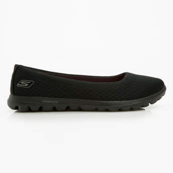 caab23790c9 Skechers Slip-on Shoes
