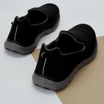 Dash Slip-On Walking Shoes