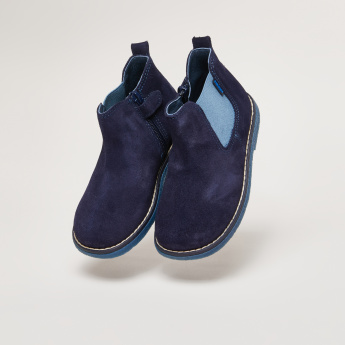 Pablosky Chelsea Boots with Zip Closure