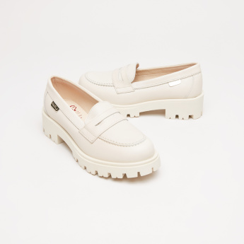 Pablosky Slip-On Moccasins with Cutout Detail