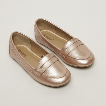 Juniors Round Toe Slip-On Shoes