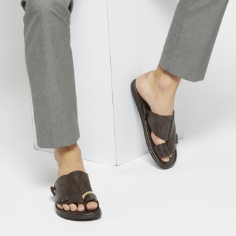 Al Waha Textured Sandals with Toe Ring