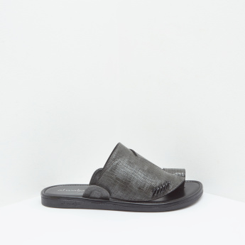 Textured Arabic Toe-Ring Slip-On Slides