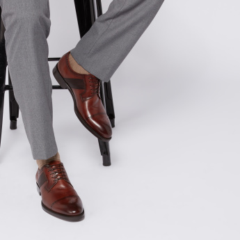 STEVE MADDEN Perforated Derby Shoes