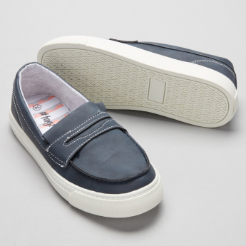 #tag18. Stitch Detail Slip-On Shoes