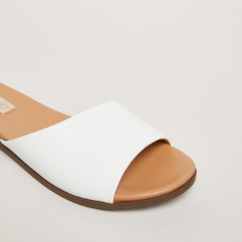 Slides with Textured Straps