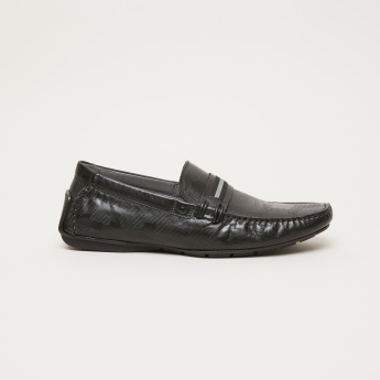 STEVE MADDEN Textured Moccasins with Belt Accent
