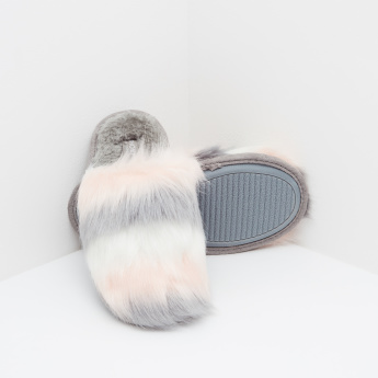 Fur Detailed Slides with Slip-On Closure