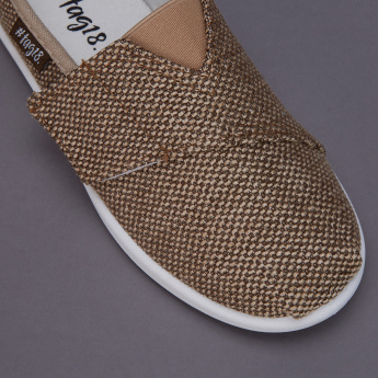 #tag18. Textured Shoes with Hook and Loop Closure