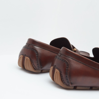 Loafers with Slip On Closure