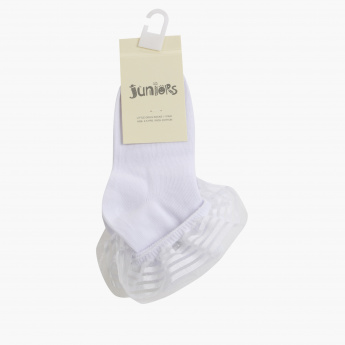 Juniors Quarter Length Socks with Frill Detail and Bow Applique