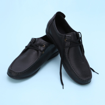 Duchini Textured Lace-Up Shoes