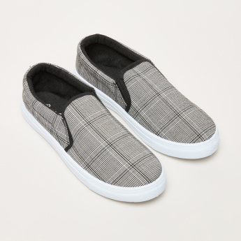 Chequered Slip-On Shoes with Elasticised Gussets