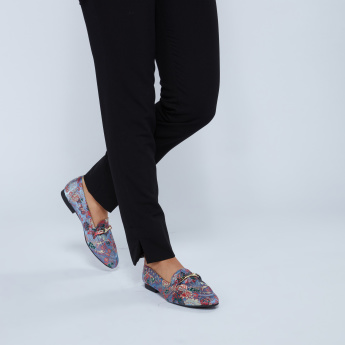 Floral Embroidered Loafers