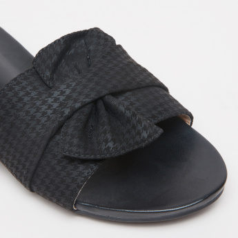 Chequered Bow Detail Slides