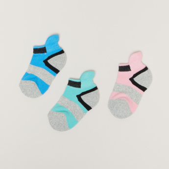 Ankle Length Sport Socks with Ribbed Cuffs - Set of 3