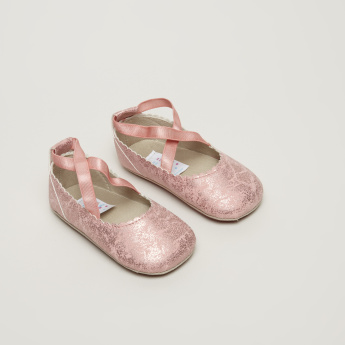 Juniors Scalloped Edges Mary Jane Shoes