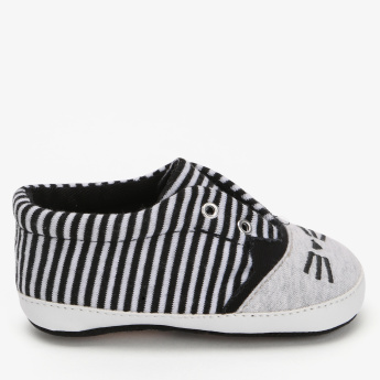 Juniors Striped Slip-On Booties
