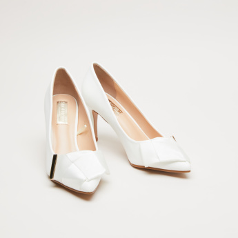 Knot Detail Pumps